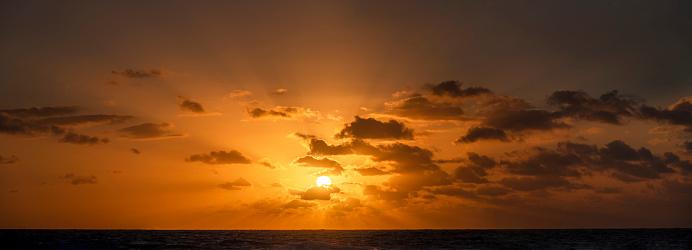 Sunrise - Fort Lauderdale「USA, Florida, Boca Raton, Sunrise over sea」:スマホ壁紙(10)