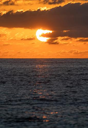 Sunrise - Fort Lauderdale「USA, Florida, Boca Raton, Sun rising over sea」:スマホ壁紙(17)