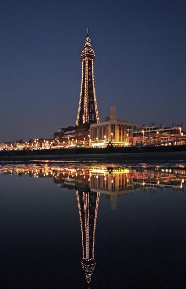 Illuminated「Blackpool At Night」:写真・画像(8)[壁紙.com]