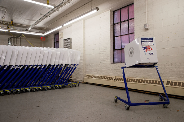Machinery「Polling Machines Are Prepared For Tuesday's Presidential Election」:写真・画像(7)[壁紙.com]