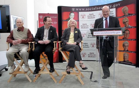 """Michael Astrue「Social Security Administration Reunites The Cast Of """"The Patty Duke Show""""」:写真・画像(3)[壁紙.com]"""