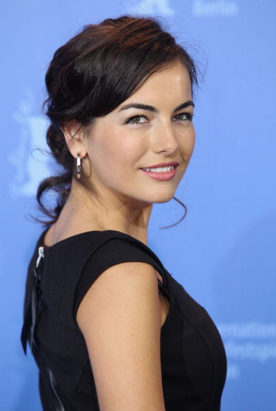 Camilla Belle「60th Berlin International Film Festival - 'Father Of Invention' Photocall」:写真・画像(18)[壁紙.com]