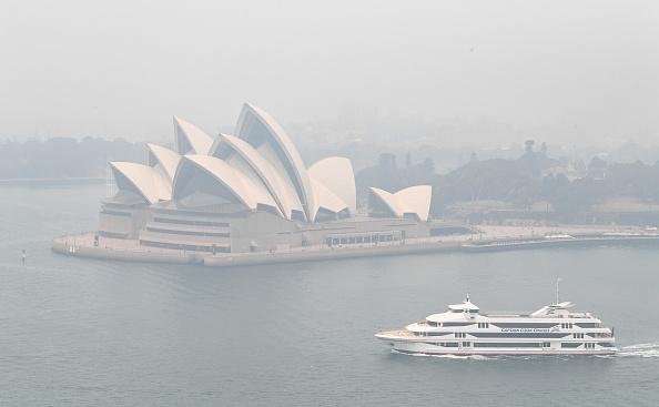 Sydney「Smoke Haze Over Sydney As Fire Danger Risk Heightens」:写真・画像(3)[壁紙.com]