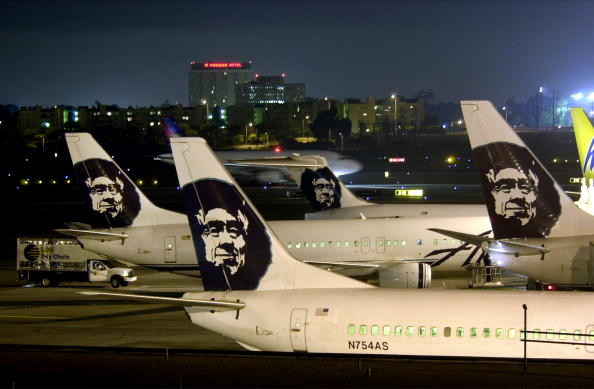 Airport Runway「LAX Found Worst in Runway Near-Crashes」:写真・画像(16)[壁紙.com]