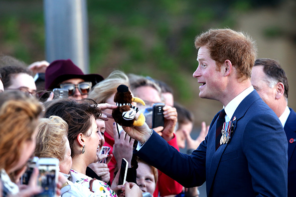 National War Memorial「Prince Harry Visits New Zealand - Day 1」:写真・画像(4)[壁紙.com]