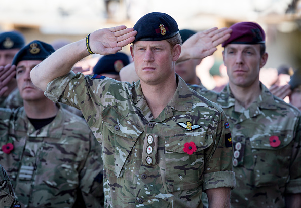 Military「British Troops In Kandahar Participate In A Remembrance Sunday Service」:写真・画像(2)[壁紙.com]