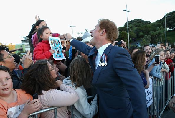 National War Memorial「Prince Harry Visits New Zealand - Day 1」:写真・画像(3)[壁紙.com]