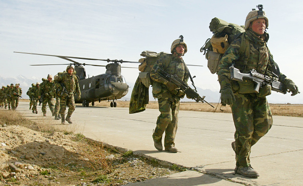 Afghanistan「U.S. Soldiers Return to Bagram Airbase After Combat」:写真・画像(15)[壁紙.com]