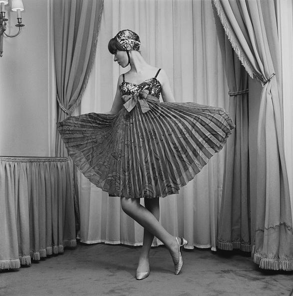 Tied Bow「Christian Dior Dress」:写真・画像(6)[壁紙.com]