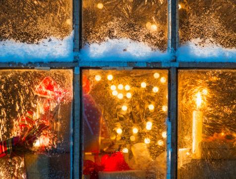Heat - Temperature「USA, New Jersey, Window with Christmas lights」:スマホ壁紙(15)