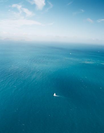 Queensland「Sailboat at sea, aerial view」:スマホ壁紙(2)