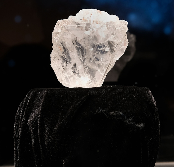Diamond - Gemstone「Sotheby's To Auction Off Largest Diamond Discovered In 100 Years」:写真・画像(7)[壁紙.com]