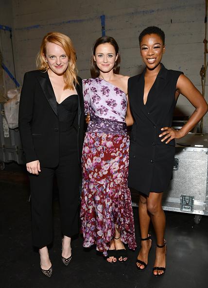 "Emma McIntyre「""The Handmaid's Tale"" Hulu Finale」:写真・画像(7)[壁紙.com]"