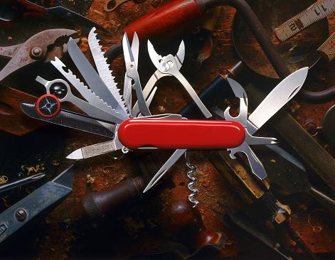 Reliability「Swiss Army Knife」:スマホ壁紙(15)