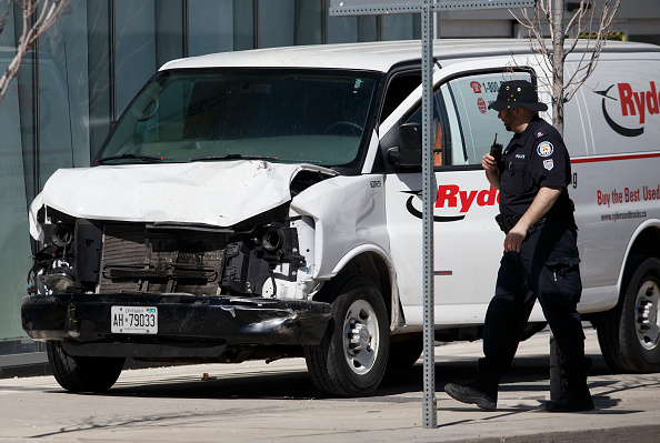 Traffic Accident「Rental Van Plows Into Pedestrians On Toronto Street, Injuring At Least Eight」:写真・画像(17)[壁紙.com]
