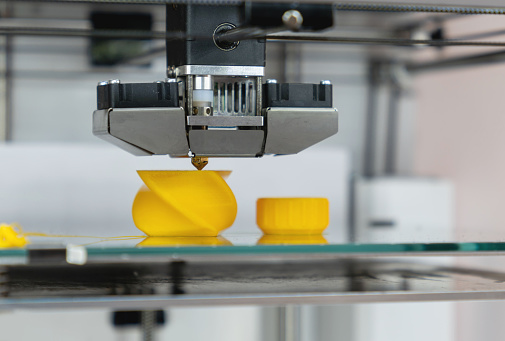 Robot Arm「Close-up on a 3D printer printing a prototype」:スマホ壁紙(13)