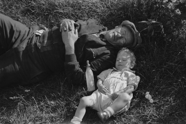 Grass Family「Sleeping Man And Child」:写真・画像(18)[壁紙.com]
