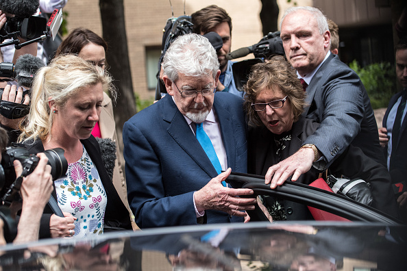 Carl Court「Rolf Harris Leaves Southwark Crown Court」:写真・画像(10)[壁紙.com]