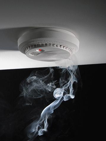 Insurance「Smoke and Smoke Alarm」:スマホ壁紙(14)