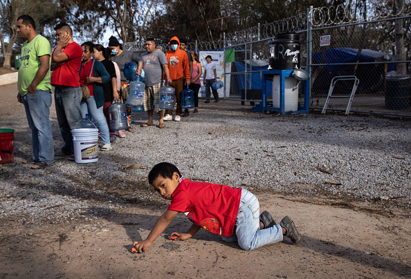 """Mexico「Asylum Seekers Cross Into U.S. In Reversal Of Trump's """"Remain In Mexico"""" Policy」:写真・画像(8)[壁紙.com]"""