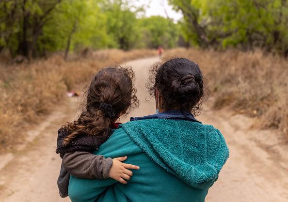 Mexico「Migrants Cross Into Texas From Mexico」:写真・画像(17)[壁紙.com]