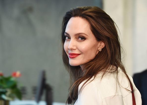 アンジェリーナ・ジョリー「Angelina Jolie Visits The United Nations」:写真・画像(0)[壁紙.com]