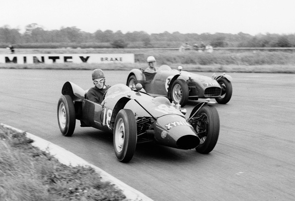 Motorsport「Yimkin Of D. Sim Leads Lotus 7 Of P.Warr At Silverstone 1960. Creator: Unknown.」:写真・画像(15)[壁紙.com]
