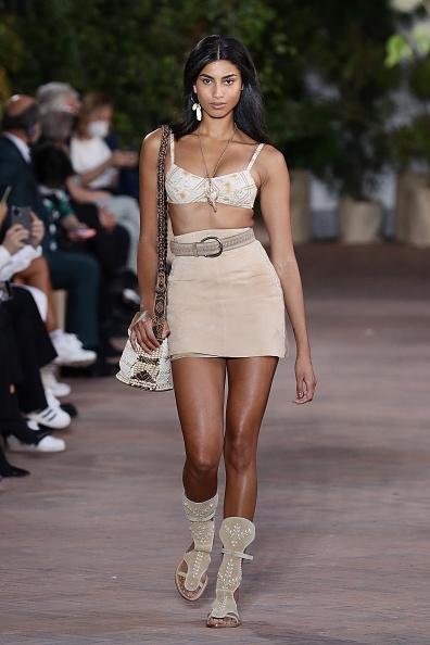 Skirt「Alberta Ferretti - Runway - Milan Fashion Week Spring/Summer 2021」:写真・画像(12)[壁紙.com]