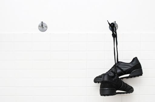 Shoe「Hang up soccer shoes」:スマホ壁紙(7)