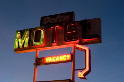 Motel「Illuminated motel sign」:スマホ壁紙(16)