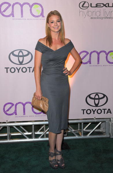 Emily VanCamp「2009 Environmental Media Awards - Arrivals」:写真・画像(18)[壁紙.com]