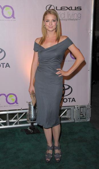 Emily VanCamp「2009 Environmental Media Awards - Arrivals」:写真・画像(12)[壁紙.com]