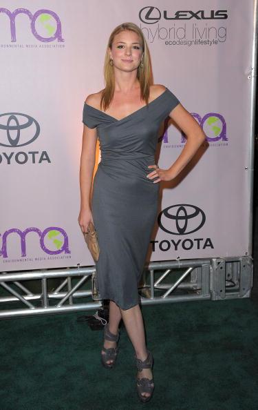 Emily VanCamp「2009 Environmental Media Awards - Arrivals」:写真・画像(11)[壁紙.com]