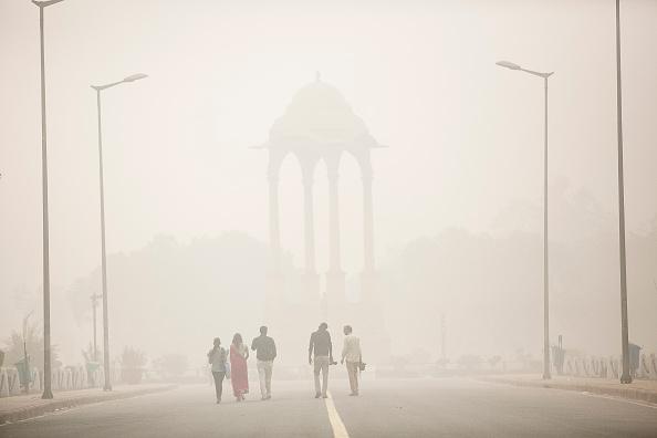 Air Pollution「Delhi Schools Close Due To Extreme Levels Of AIr Pollution」:写真・画像(8)[壁紙.com]