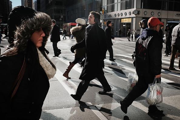 人物「New York Gets First Frigid Blast Of Winter」:写真・画像(16)[壁紙.com]