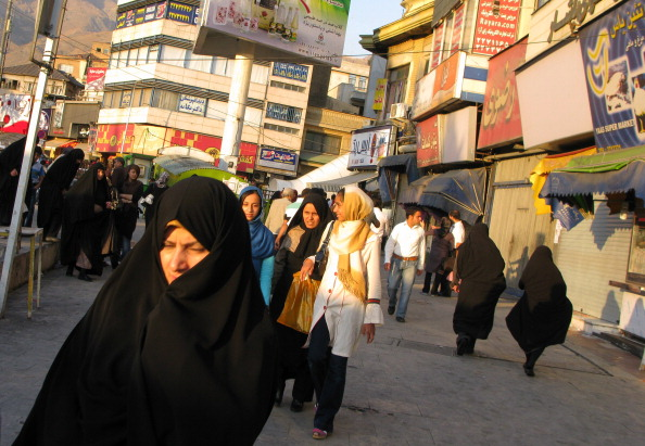 Large Group Of People「Tajrish Square」:写真・画像(19)[壁紙.com]