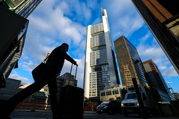 Corporate Business「European Banks Struggle As Profits Slump And Job Cuts Rise」:写真・画像(17)[壁紙.com]