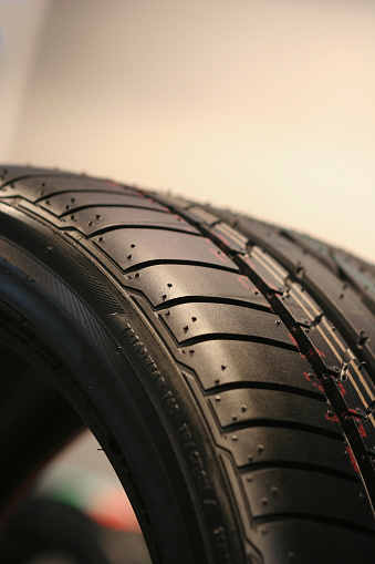 Dribbling - Sports「automobile tire」:スマホ壁紙(9)