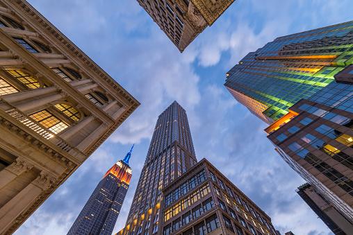 Midtown Manhattan「Empire State Building intersection」:スマホ壁紙(8)