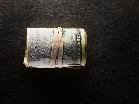 American One Hundred Dollar Bill「Frozen roll of dollar bills」:スマホ壁紙(15)