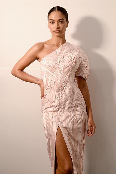 Asymmetric Dress「Cong Tri - Backstage - February 2019 - New York Fashion Week: The Shows」:写真・画像(10)[壁紙.com]