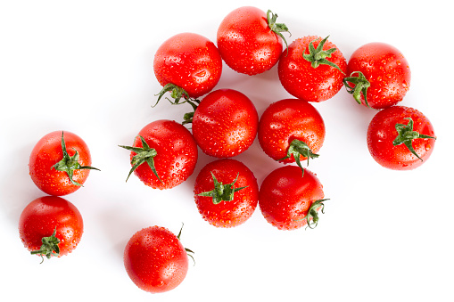 Cherry Tomato「wet red cherry tomatoes isolated on white」:スマホ壁紙(9)