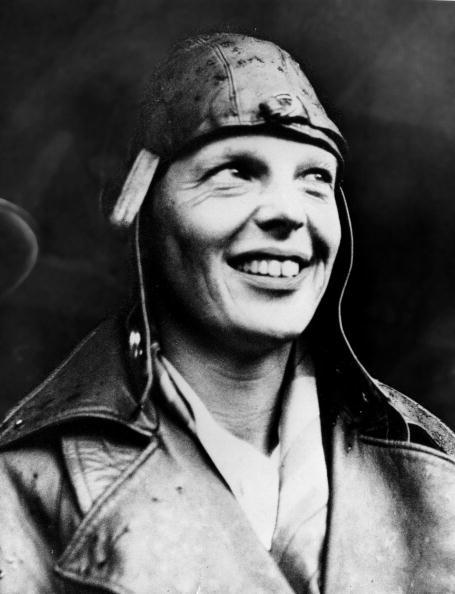 Only Women「Amelia Earhart Head Shot」:写真・画像(6)[壁紙.com]