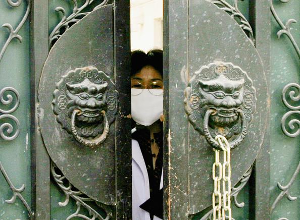 Virus「China Battles To Contain New SARS Outbreak」:写真・画像(19)[壁紙.com]