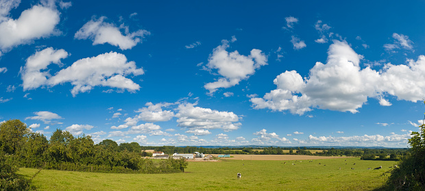 Cumulus Cloud「Big skies over farm and field」:スマホ壁紙(6)
