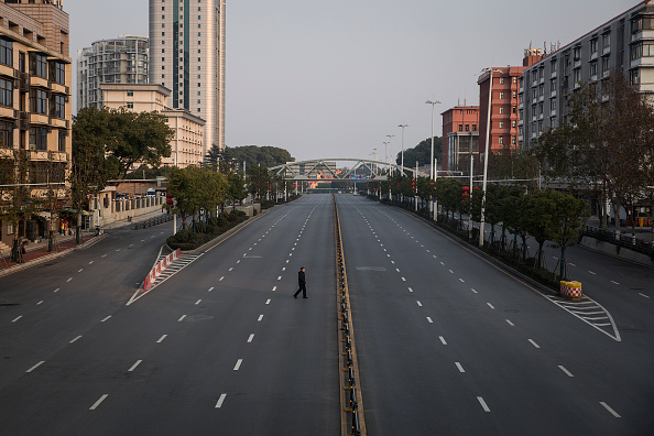 Men「Daily Life In Wuhan During Lockdown」:写真・画像(9)[壁紙.com]