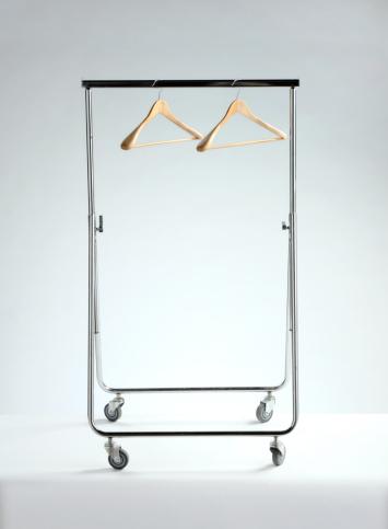 Rack「empty clothes rack, economic depression」:スマホ壁紙(11)