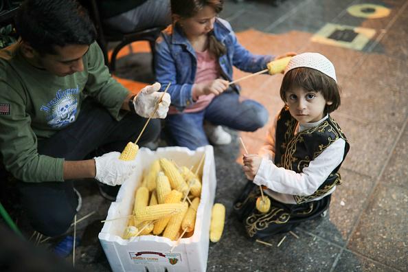 Corn「Muslims Celebrate Beginning Of Ramadan In Sydney」:写真・画像(13)[壁紙.com]