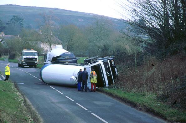 Avenue「1997 Mercedes tanker road accident」:写真・画像(18)[壁紙.com]