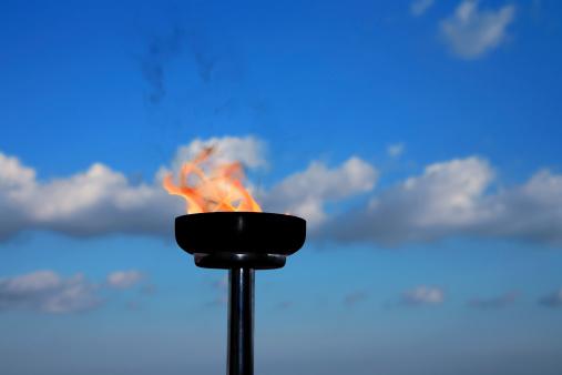Burnt「glory burning torch」:スマホ壁紙(5)